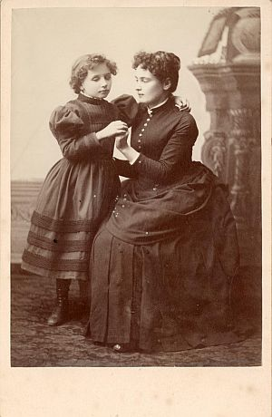 A young Helen Keller with Anne Sullivan.
